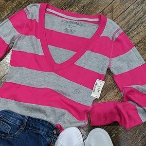 🔥NWT Aero Striped V Neck Sweater
